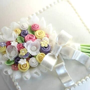 fondant bouquet cake featured image