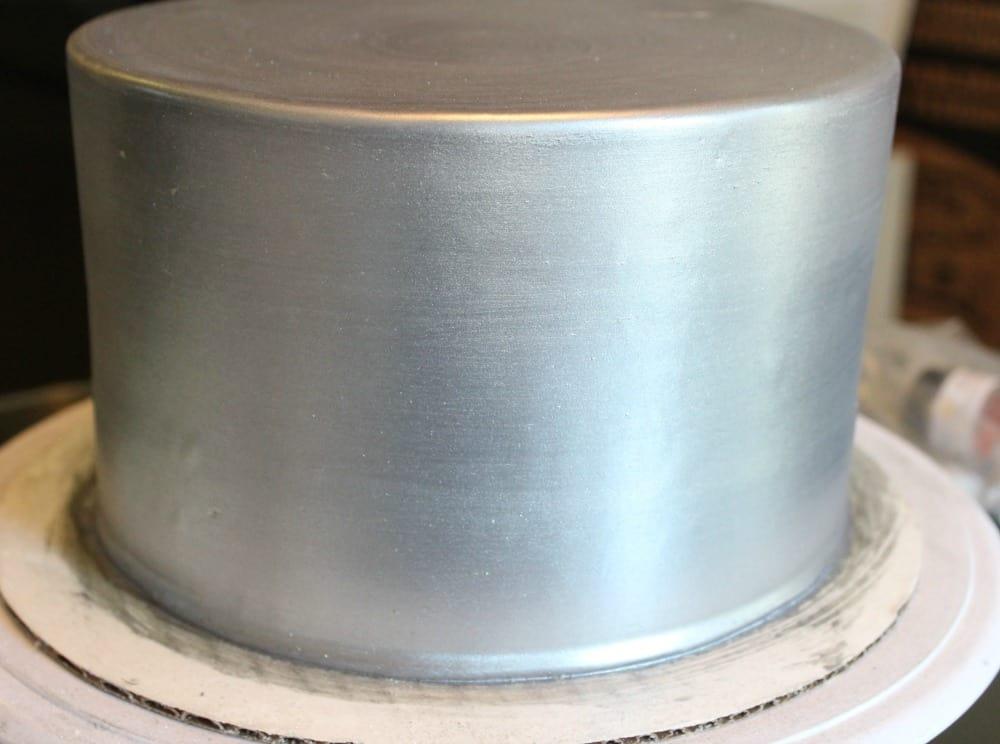 silver cake tier