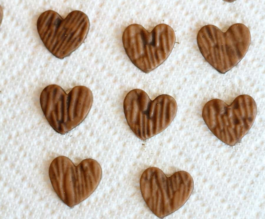 Painted woodgrain fondant heart toppers