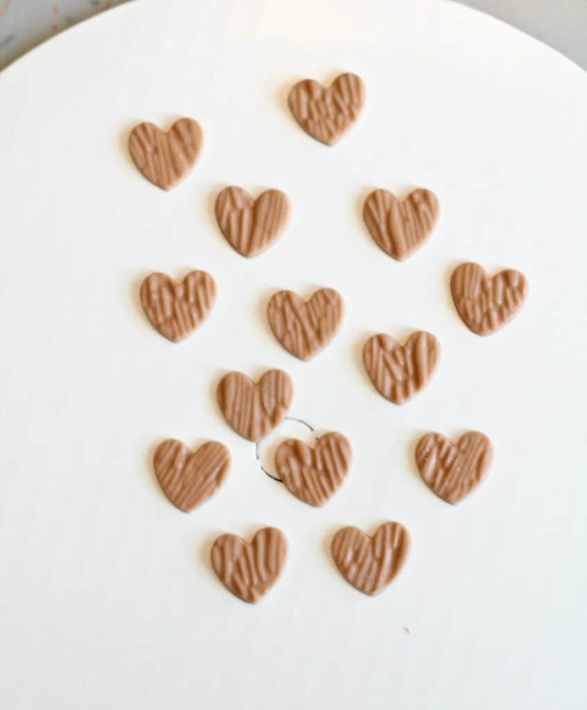 cut out woodgrain fondant heart toppers