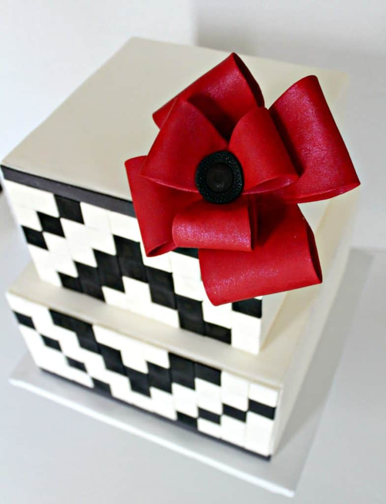 Black and White Geometric Cake top view