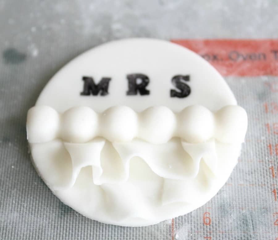 finishing the fondant cupcake toppers