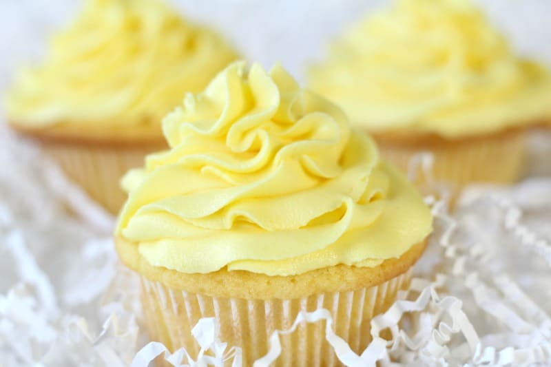Lemon Sour Cream Cupcakes