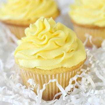 lemon cupcakes featured image