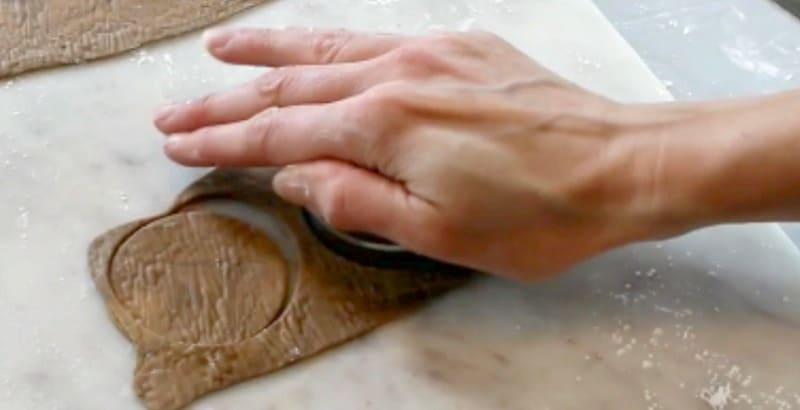 Cutting cupcake toppers out of woodgrain fondant