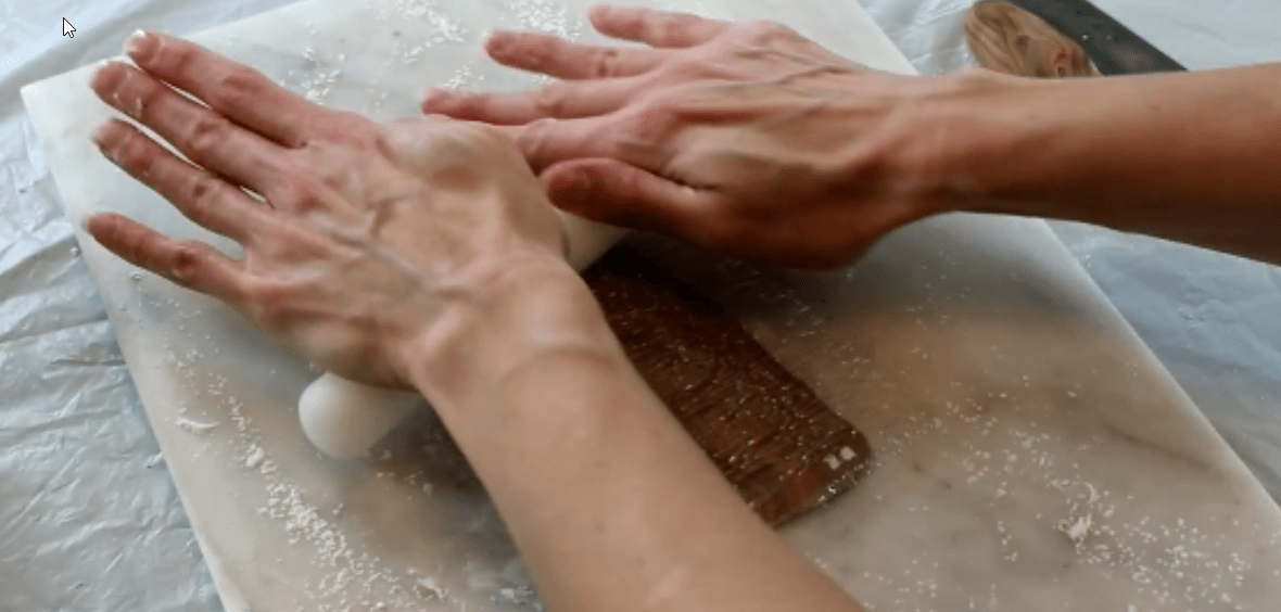 Impressing a wood pattern onto fondant