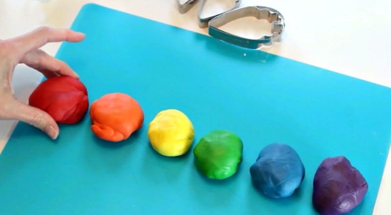 rainbow colors of fondant