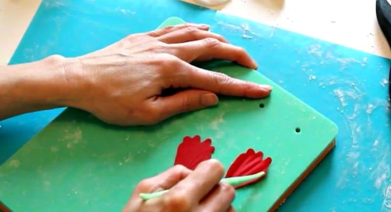 Veining gumpaste peony petal