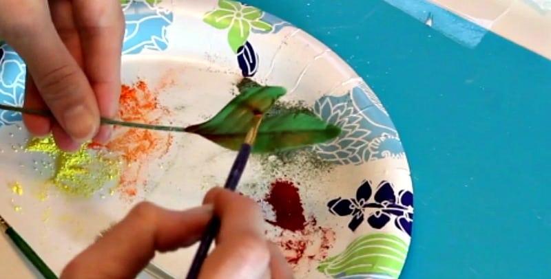 Dusting gumpaste peony leaves