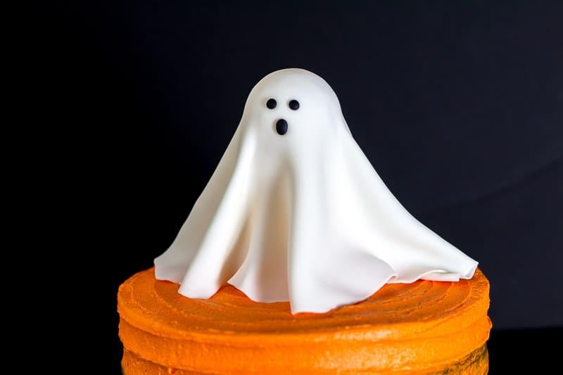 Gumpaste Ghost on Cake