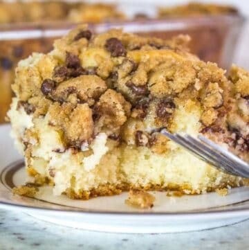 Cannoli Crumb Cake