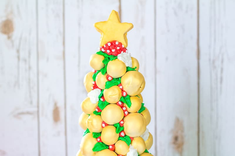 Cake Pop Christmas Tree close up of top
