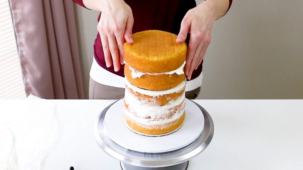 Adding Layers To Top Tier Of Tall Cake