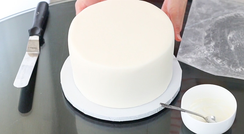 Attach cake to cake base