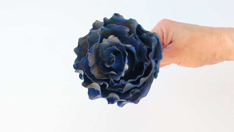 steam the gumpaste rose