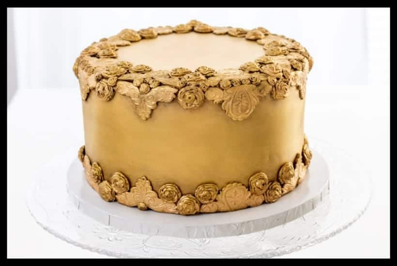 Antiqued Bas Relief Cake Featured Image