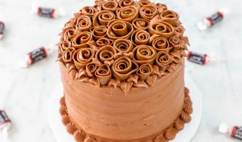 Tootsie Roll Ribbon Rose Cake Tutorial