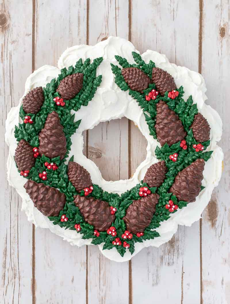 Chocolate Pine Cone Wreath Cupcake Cake