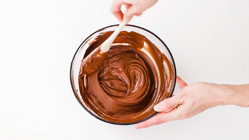 stir the melted chocolate