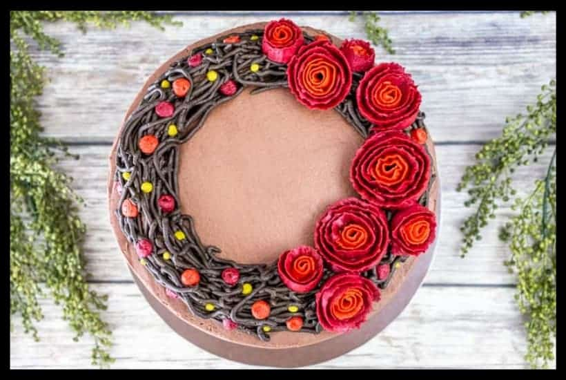 Fall Wreath Buttercream Cake Featured Image