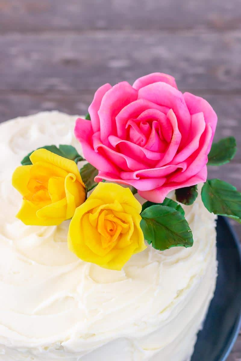 How to Attach Gumpaste Flowers to Cakes