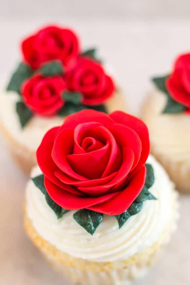 easy fondant red roses