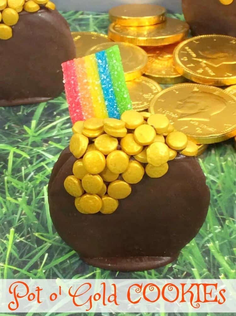 pot of gold cookies with rainbow