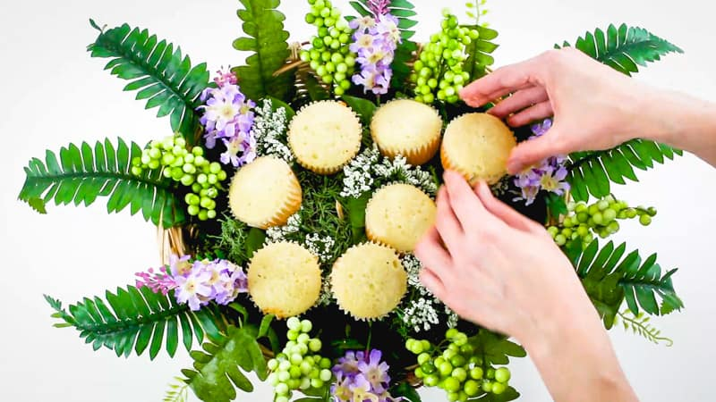 adjust the cupcakes in the cupcake bouquet
