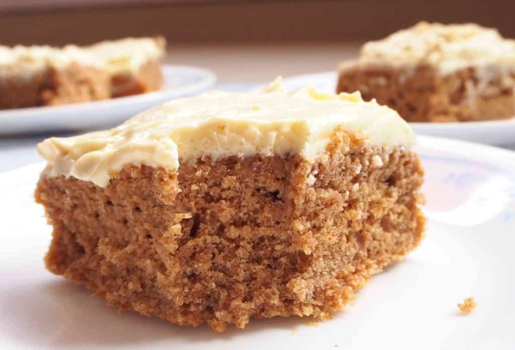 https://auniquelyediblemagic.com/recipes/cinnamon-caramel-cream-cheese-cake/