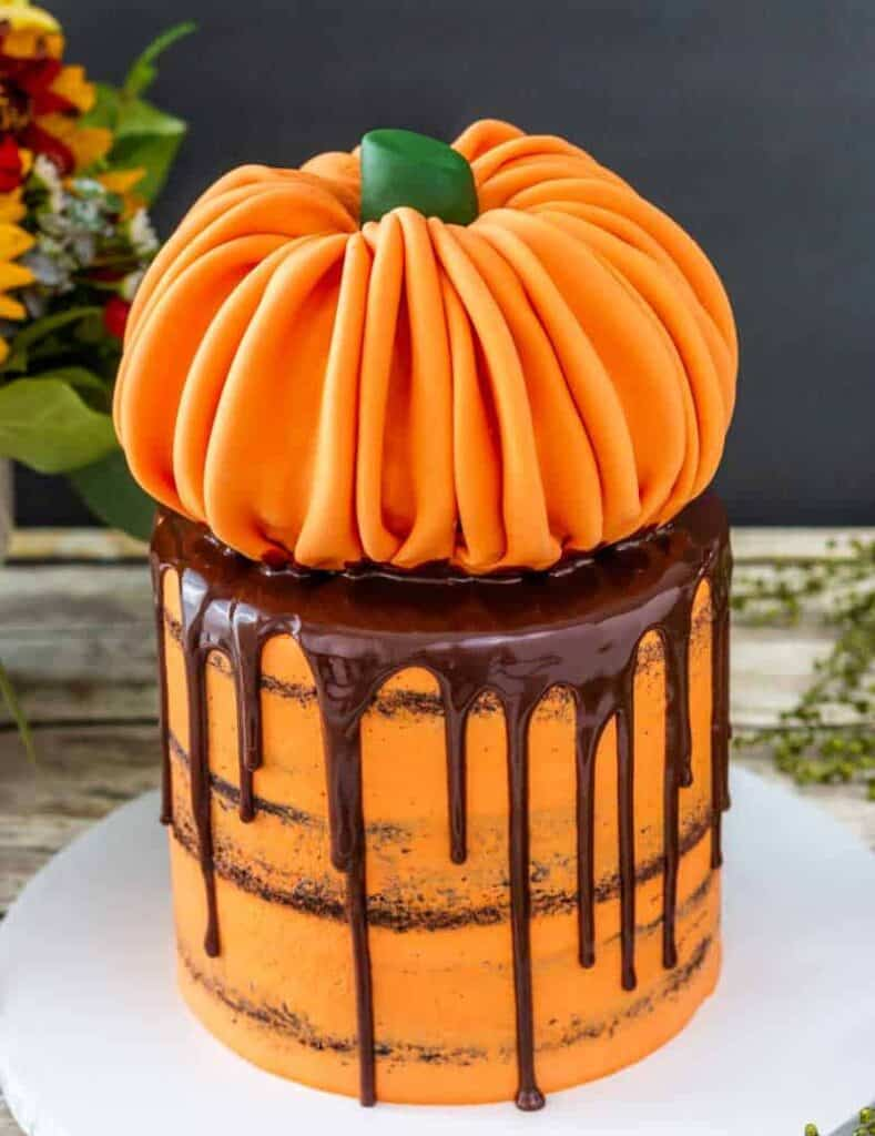 Rice Krispie Treat Pumpkin Cake Topper Tutorial