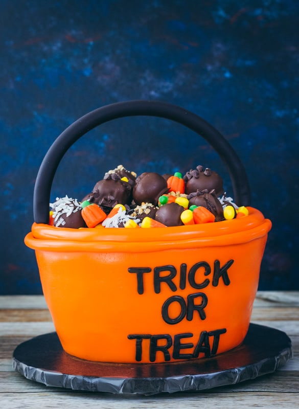 Trick or treat bucket cake
