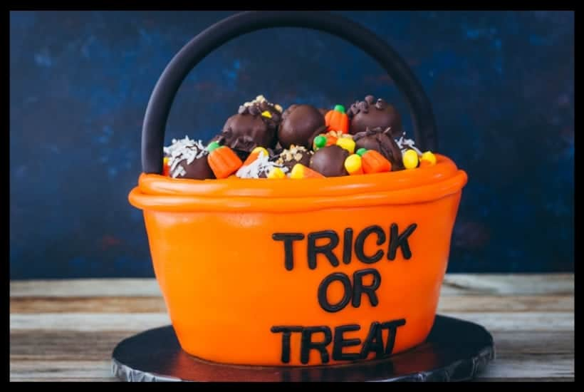Trick or Treat Bucket Cake Featured Image