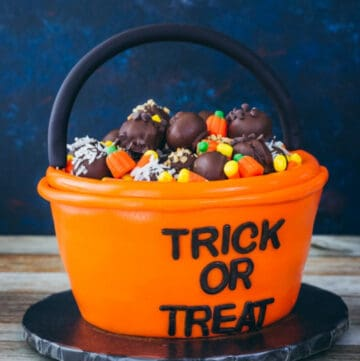 trick or treat cake featured image
