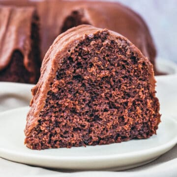 chocolate spice cake featured image