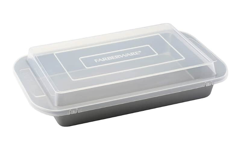 13x9 inch pan with plastic cover