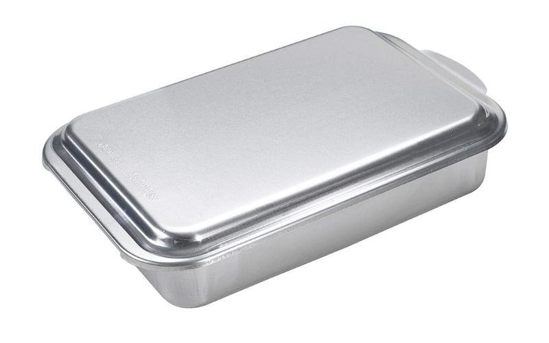 silver 13x9 inch pan with silver lid