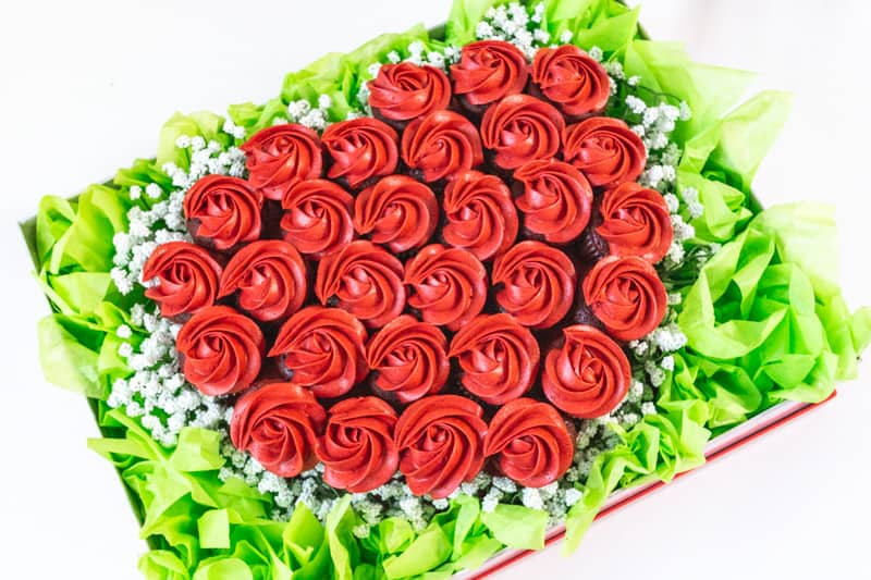valentines day cupcake bouquet with red cupcakes