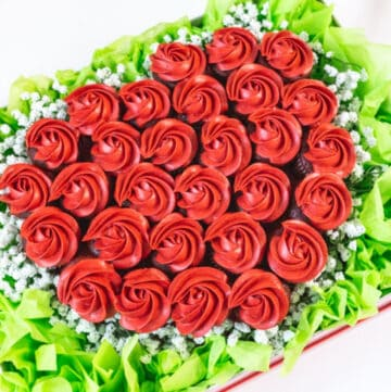 Easy Valentine's Cupcake Bouquet in a Box featured image